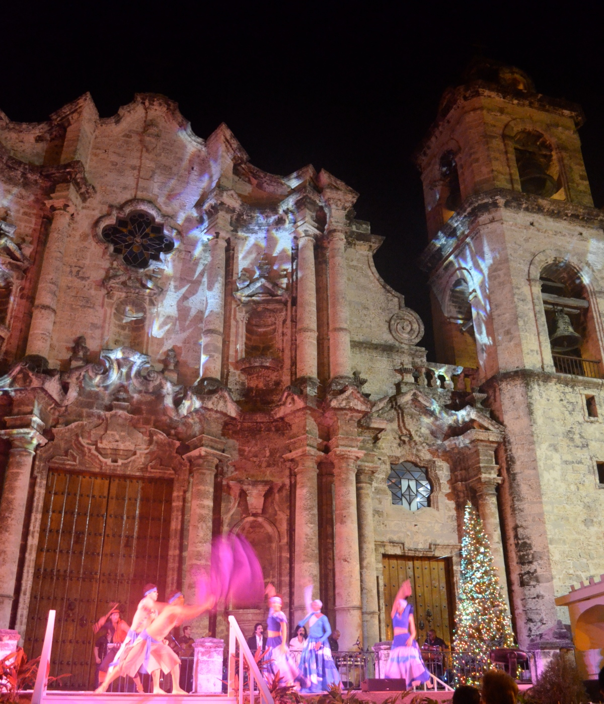 Dirty Dancing in Havana – My New Year's Eve at the CathedralPlaza