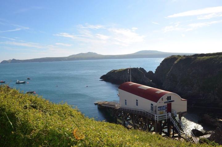 Arrival and Pembrokeshire CoastalPath